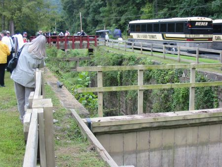 Busloads of visitors enjoy the Delaware Canal