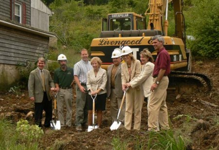 Senator Argall, Dan Kunkle, and others break ground on an addition to the Lehigh Gap Nature Center.