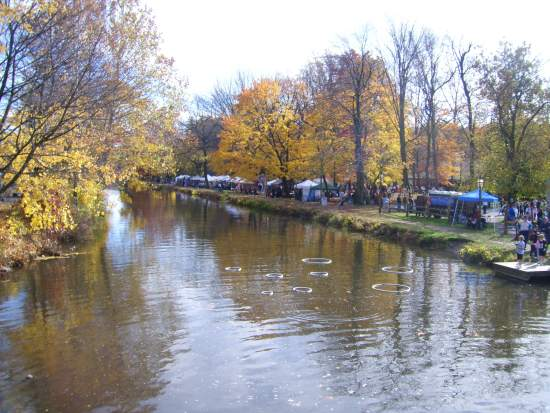 The festival highlights one of the most scenic stretches of canal in the nation.